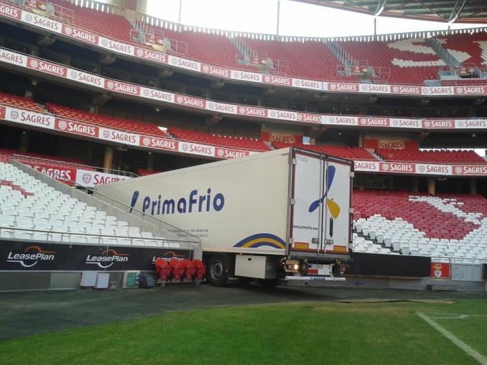 Camión Primafrio en Estadio Benfica