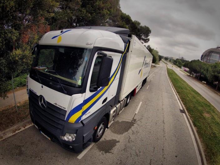 Camión de primafrio en carretera